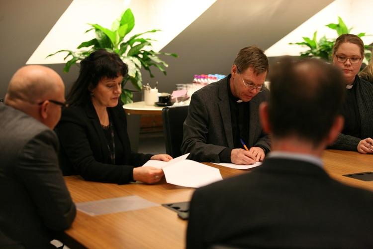Xamk ja seurakunnat sopivat opiskelijoita tukevasta yhteistyöstä - Kouvolan seurakunnat